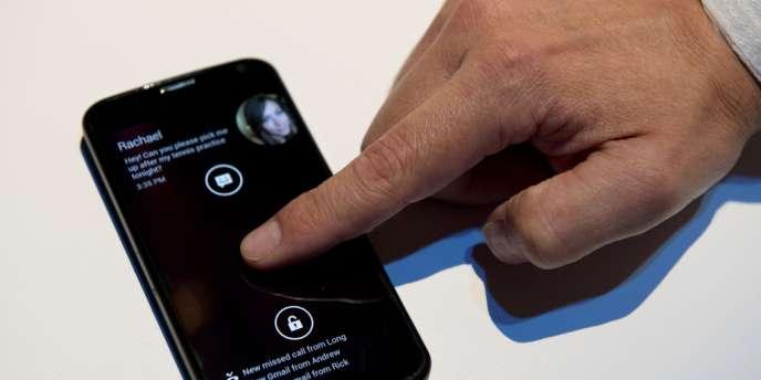 Le Motorola Moto X, un appareil personnalisable fabriqué aux Etats-Unis conçu sous la supervision de Google.