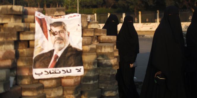 Le ministère de l'intérieur a demandé une nouvelle fois la dispersion des sit-in des pro-Morsi sur les places Rabaa Al-Adawiya et Nahda,