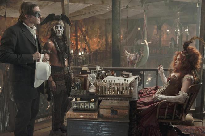 Armie Hammer, Johnny Depp et Helena Bonham Carter dans le film américain de Gore Verbinski,