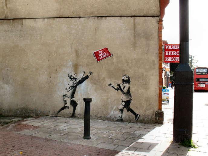 L'œuvre de l'artiste Banksy sur un mur de Londres.
