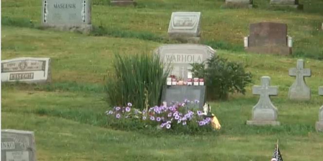 La tombe d'Andy Warhol à Pittsburgh (Pennsylvanie).