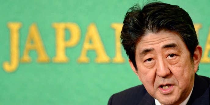 Ce projet budgétaire sur trois ans vise à éviter à la dette japonaise de déraper encore davantage, alors que le pays est déjà le plus endetté de toutes les nations développées.