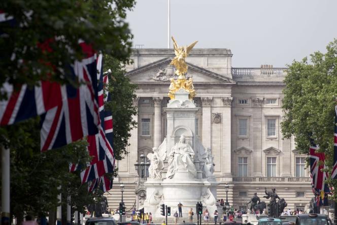 Le palais de Buckingham emploie ses 350 saisonniers sous le très controversé statut de