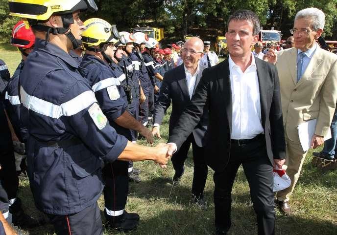 Manuel Valls, lors d'une visite à Tourrettes-sur-Loup (Alpes-Maritimes), le 9 août.