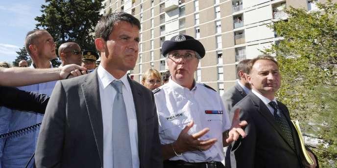 A Marseille, le ministre de l'intérieur a salué l'augmentation des saisies de drogue et des mises en cause pour trafic de stupéfiants.