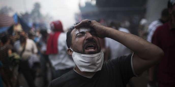 L'attaque de l'armée contre les pro-Morsi a fait au moins 149 morts, mercredi, et provoqué la démission du vice-président et Prix Nobel de la paix, Mohamed El-Baradei.