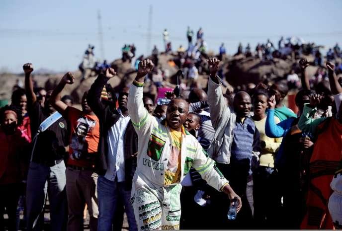 Manifestation, le 16 août 2013, pour commémorer, un an après, le massacre de Marikana au cours duquel 34 mineurs avaient été tués.