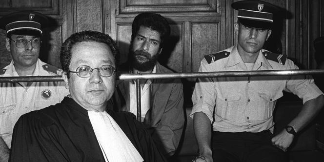 Jacques Vergès en 1986 lors du procès d'Ibrahim Abdallah.