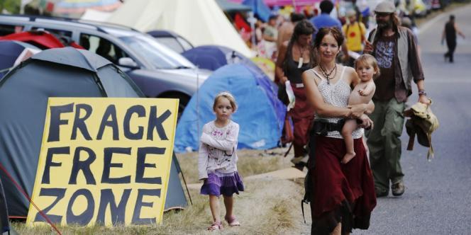 Jusqu'à un millier de militants venus de tout le pays étaient attendus à Balcombe, dans le West Sussex, pour un camp de six jours destiné à protester contre la technique controversée de la fracturation hydraulique.