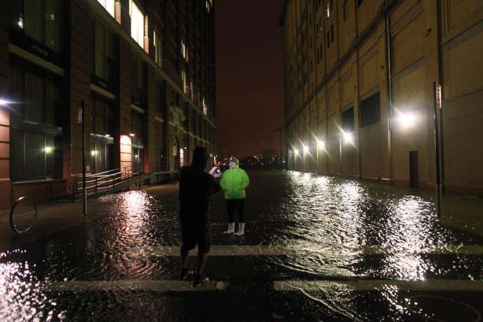 Une rue de Manhattan à New York après le passage de l'ouragan Sandy, le 29 octobre 2012.