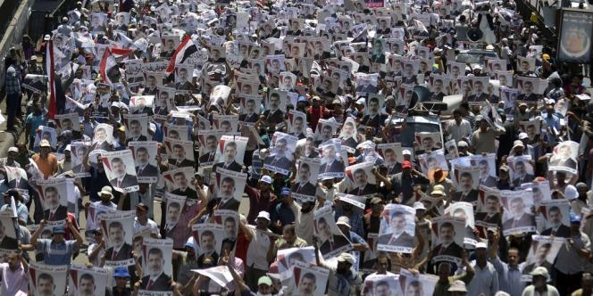 Des partisans du président déchu Mohamed Morsi manifestent le 26 juillet 2013 au Caire.
