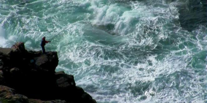 Votée en mai avec les seules voix du Parti populaire, la nouvelle ley de costa interdit toute nouvelle construction sur le littoral espagnol. Ici, Costa da morte de Lois Patino (Espagne).