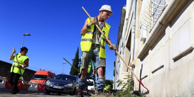 Les missions de travail, qui n'excèdent pas quatre heures, ont séduit une quarantaine de jeunes précaires à Bordeaux.
