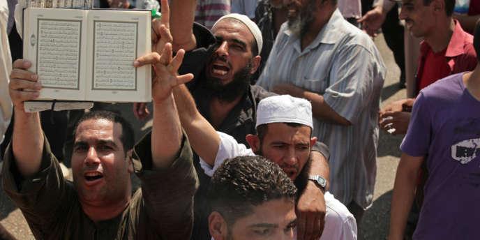 Des partisans des Frères musulmans, le 16 août, au Caire.