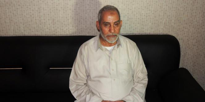 Le guide suprême des Frères musulmans, Mohamed Badie, arrêté mardi 20 août au Caire.