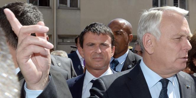Voile à l'université, application des peines de prison, regroupement familial... Manuel Valls multiplie cet été les déclarations à contre-courant de la ligne gouvernementale.