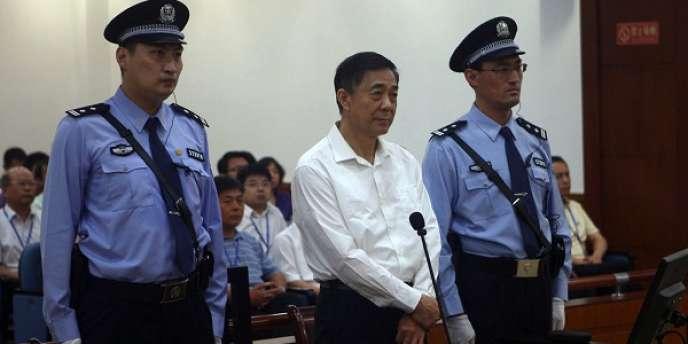 Bo Xilai est poursuivi pour corruption, détournement de fonds et abus de pouvoir.