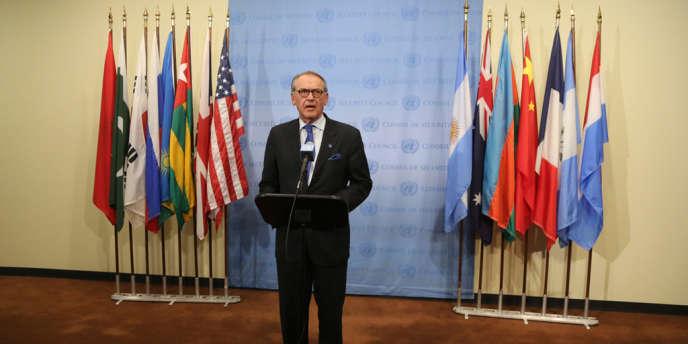 Le secrétaire général adjoint de l'ONU, le Suédois Jan Eliasson, après une réunion du Conseil de sécurité consacrée à la situation en Syrie, le 21août 2013.