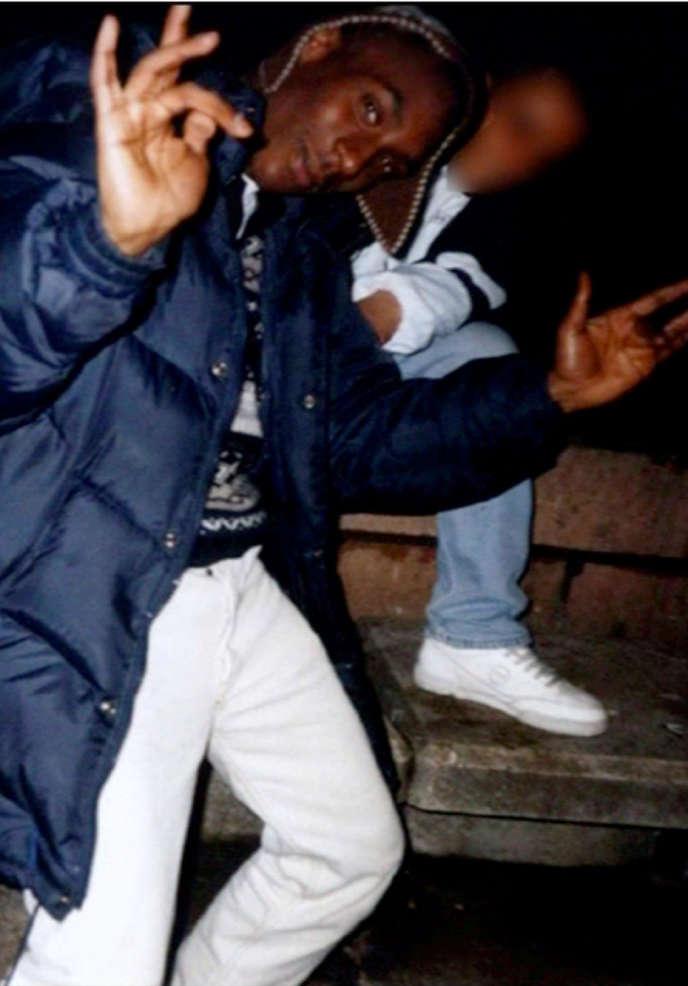 AP du groupe 113 et du collectif Mafia K'1 Fry en 1995 à la Demi-Lune Zoo pendant un freestyle. Extrait du documentaire