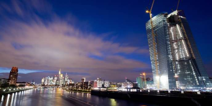 Le nouveau siège, en construction, de la BCE à Francfort, le 20 mars 2013.