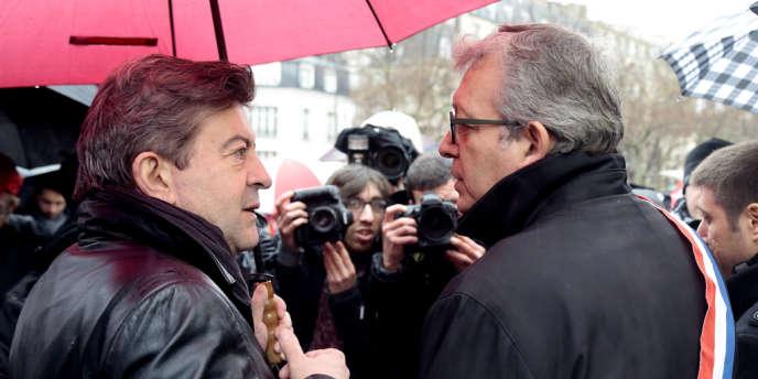 Jean-Luc Mélenchon et Pierre Laurent en avril 2013 à Paris.