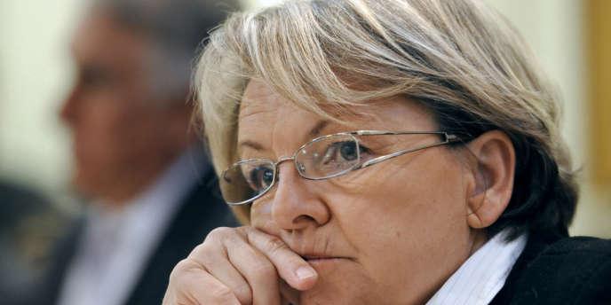 Mme Bompard, membre de la Ligue du Sud, refuse également d'accorder une délégation à un conseiller municipal pour célébrer le mariage.