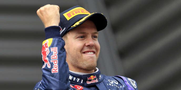 Le pilote Red Bull sur la plus haute marche du podium, dimanche à Spa-Francorchamps.
