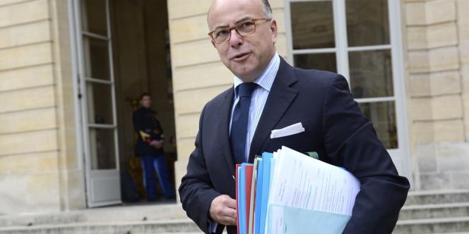 Le ministre délégué chargé du budget, Bernard Cazeneuve, a annoncé, mercredi 15 janvier, que 11 000 dossiers de régularisation auprès du fisc avaient été déposés depuis le mois de juin 2013.