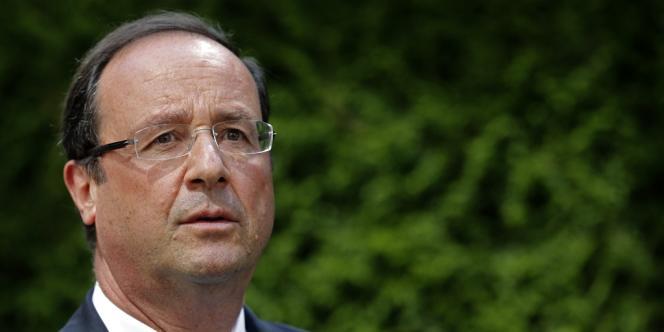 François Hollande se dit déterminé à poursuivre le processus, sans préciser si la France pourrait intervenir militairement sans les Etats-Unis, ou si elle se contenterait de fournir des armes à l'opposition syrienne.