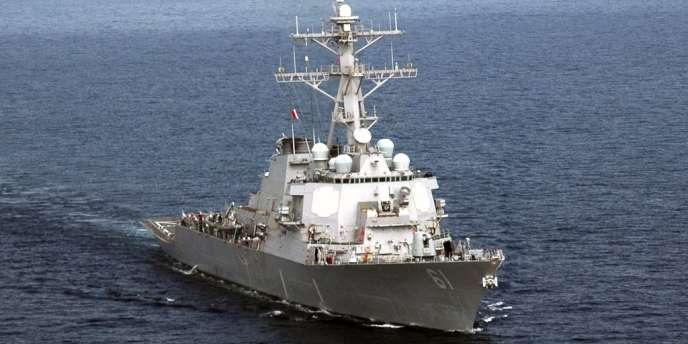 Le navire de guerre américain