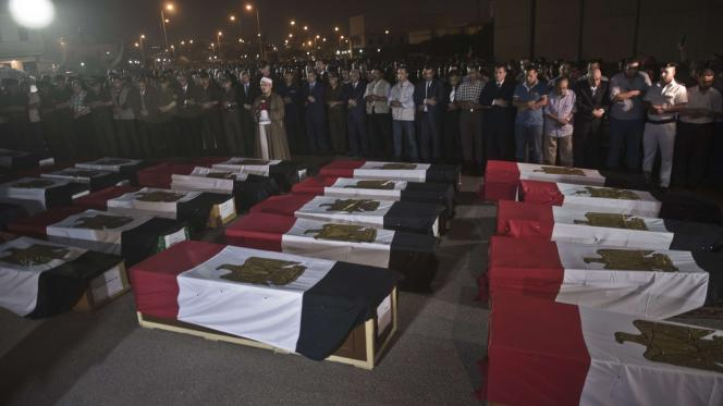 Lors des funérailles des 25 policiers tués près de Rafah, le 19 août.