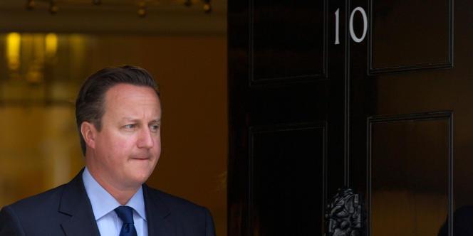 David Cameron, le 15 juillet, à Londres. Le premier ministre britannique a opté pour une baisse de l'impôt sur les sociétés et une hausse de TVA. Son calcul ? Restaurer les marges des entreprises pour les inciter à baisser les prix de leurs produits à l'export, investir, innover et se moderniser.