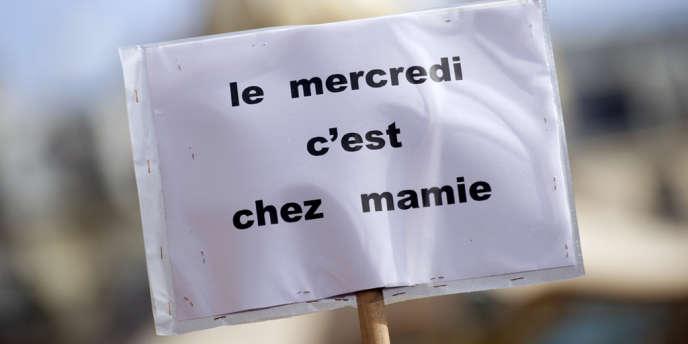 Au cours d'un manifestation contre la réforme des rythmes scolaires, à Paris, le 25 mars dernier.