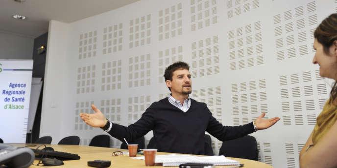 Jeune médecin remplaçant en Italie, Daniel Clama – reçu ici à l'Agence régionale de santé à Strasbourg, le 27 août – pourrait bientôt exercer en Alsace, grâce à un contrat de