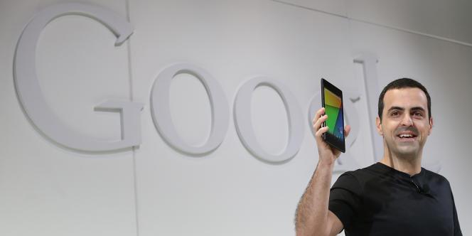Hugo Barra présentant la seconde version de la tablette Nexus 7 à San Francisco, le 24 juillet.