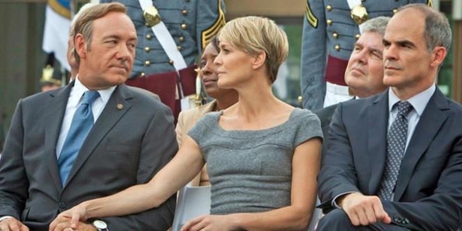 Kevin Spacey (à gauche) dans le rôle de Francis Underwood, chef de file des démocrates au Congrès.