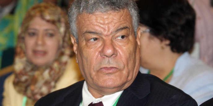 M. Saïdani, 63 ans, considéré comme un homme du sérail à la carrière exclusivement politique, s'est engagé a