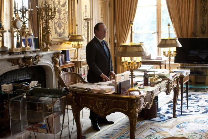 François Hollande dans son bureau de l'Elysée, le 29 août.