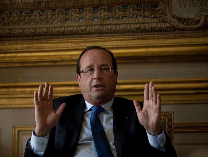 François Hollande pendant son interview avec le journal