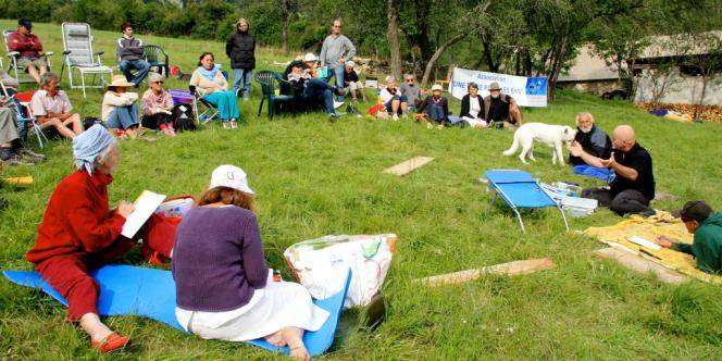 Rassemblement de personnes EHS à Boulc (Drôme), du 26 au 28 août.