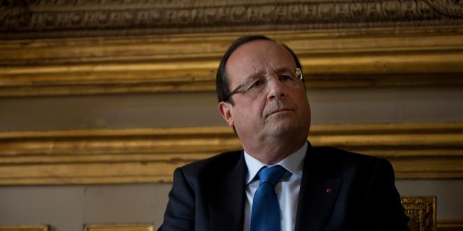 François Hollande pendant son interview avec le journal