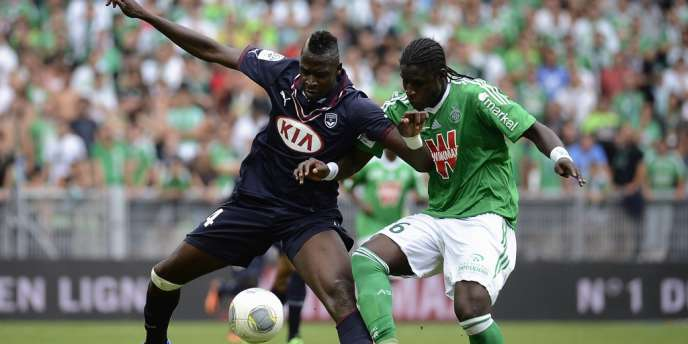 Le défenseur stéphanois Moustapha Bayal Sall (à droite) et Cheick Diabaté lors du match Saint-Etienne- Bordeaux en2013.