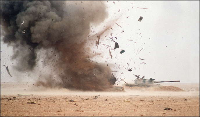 Explosion d'un bunker irakien en février 1991.