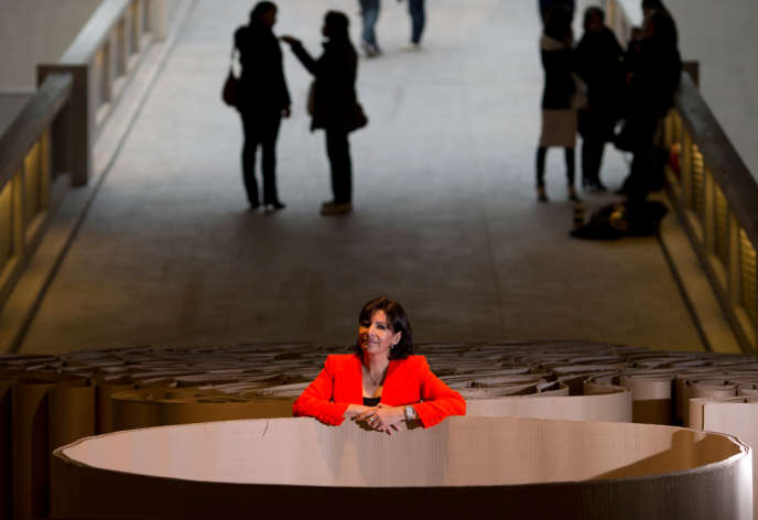 Anne Hidalgo en avril au Centquatre, dans