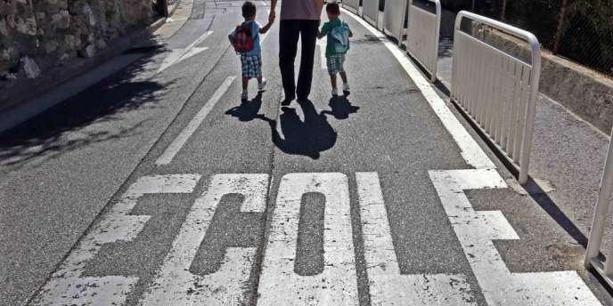 Sur le chemin d'une école, à Nice.