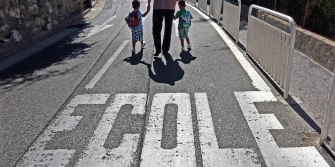 Sur le chemin de l'école, à Nice.