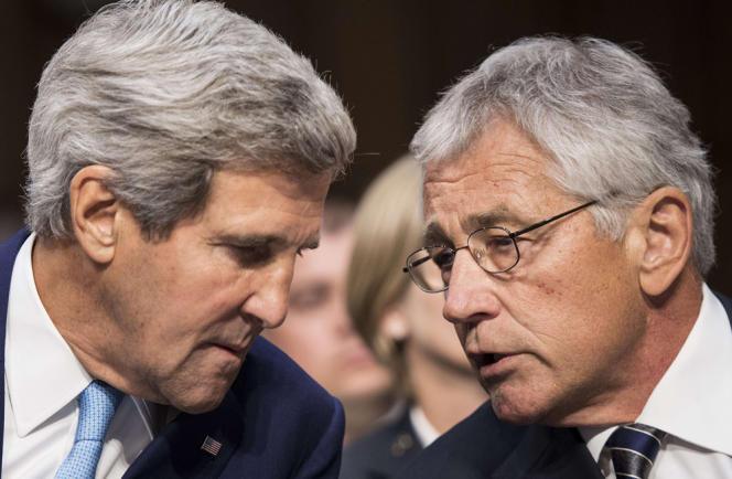 Le secrétaire d'Etat américain John Kerry aux côtés du secrétaire à la défense, Chuck Hagel, le 3 septembre, à Washington.