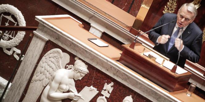 Jean-Marc Ayrault durant la session parlementaire extraordinaire à propos de la situation en Syrie, à l'Assemblée le mercredi 4 septembre.