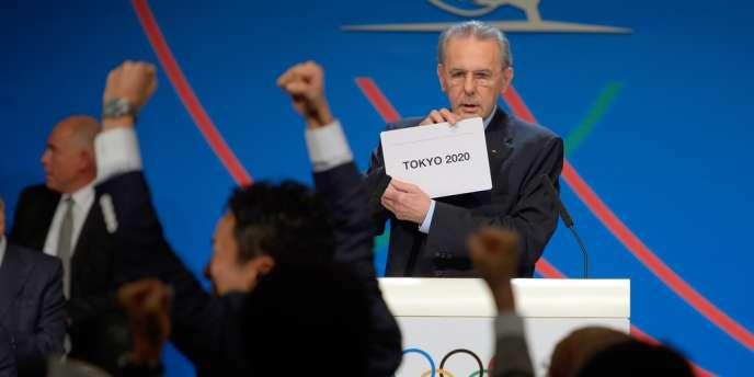 Jacques Rogge, président du CIO, annonçant la victoire de Tokyo 2020, le 7 septembre à Buenos Aires.