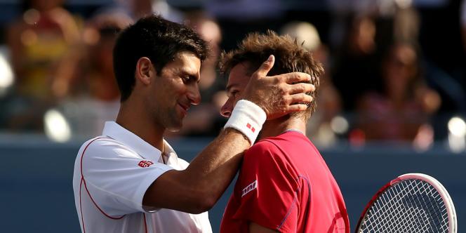 Novak Djokovic console Stanislas Wawrinka, le 7 septembre à New York.